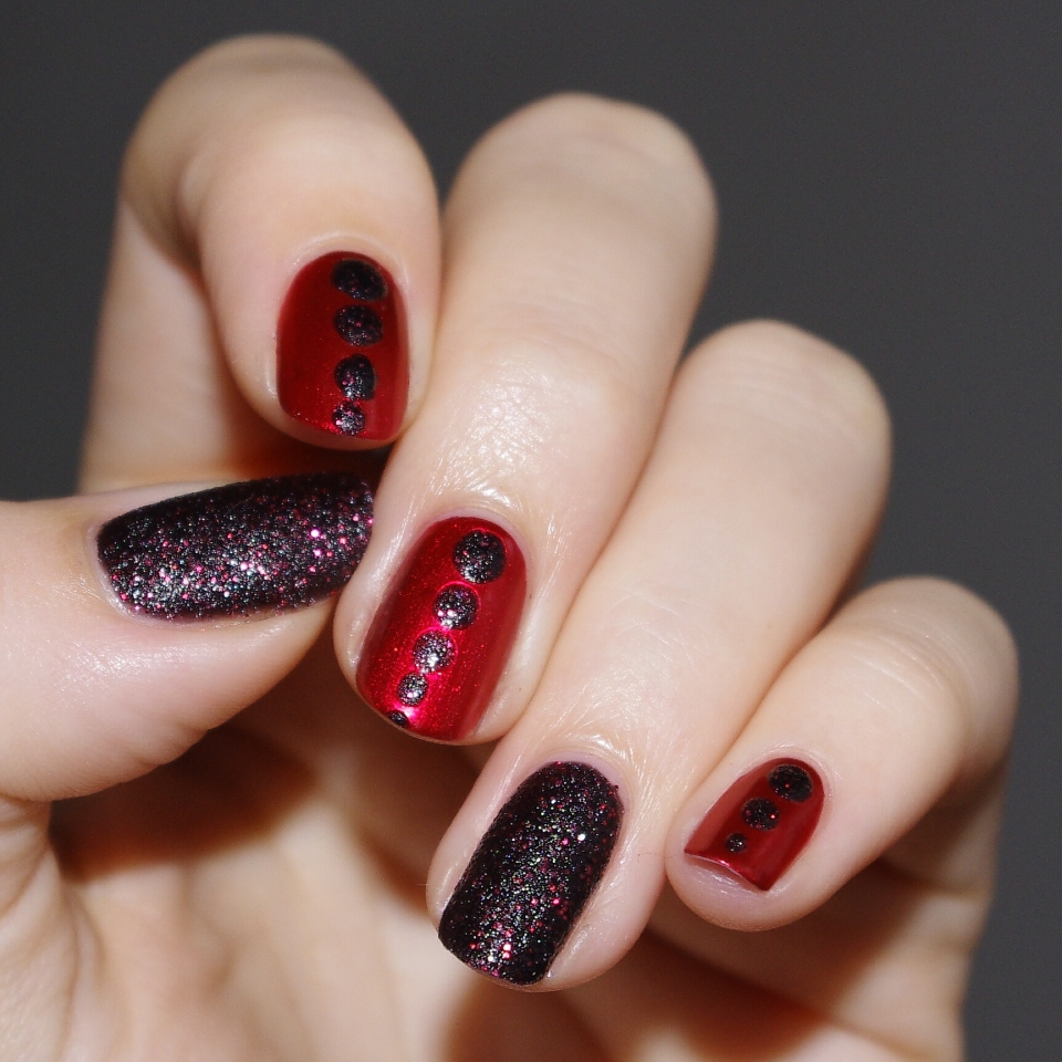 Bulleuw:Black and Red