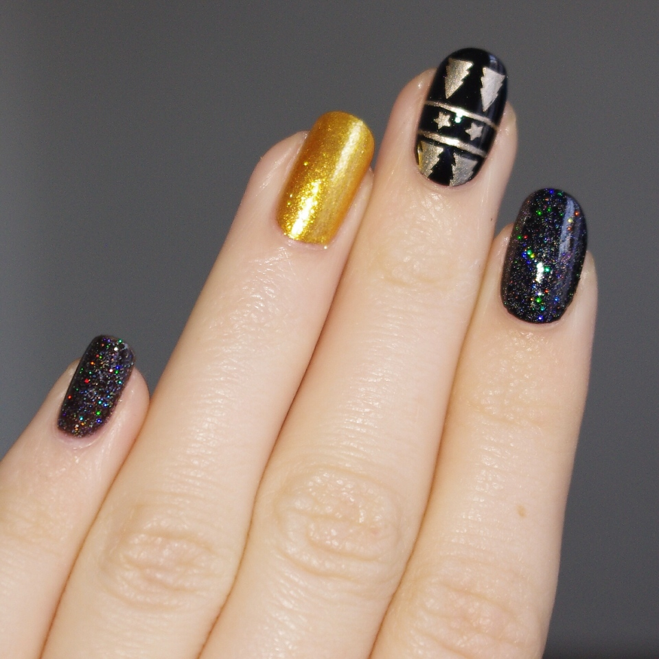 Bulleuw:Christmas Black and Gold 6