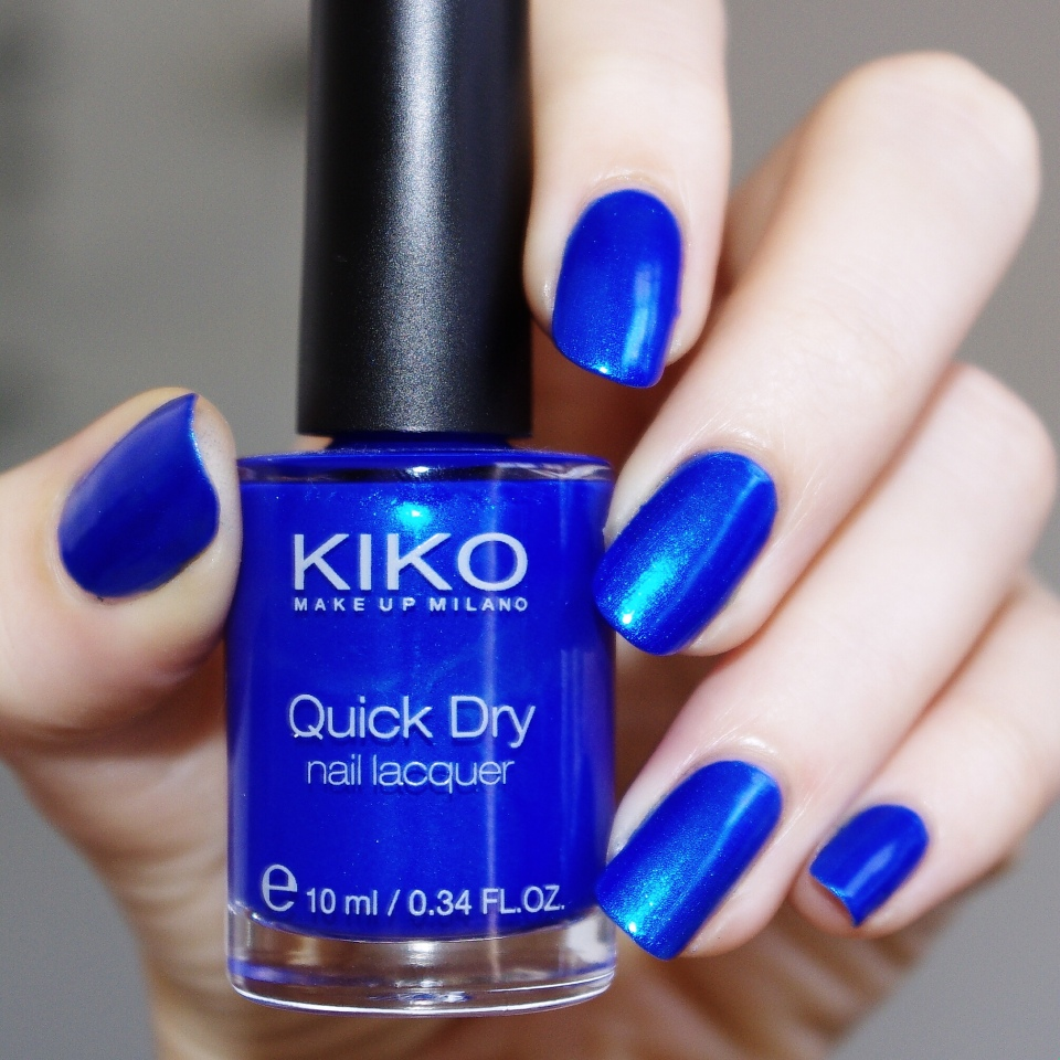 Bulleuw:Kiko Metallic blue 1