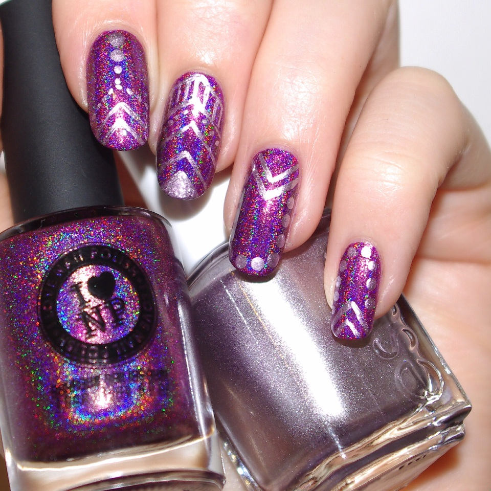 Bulleuw:Kings&Queens nail art 3