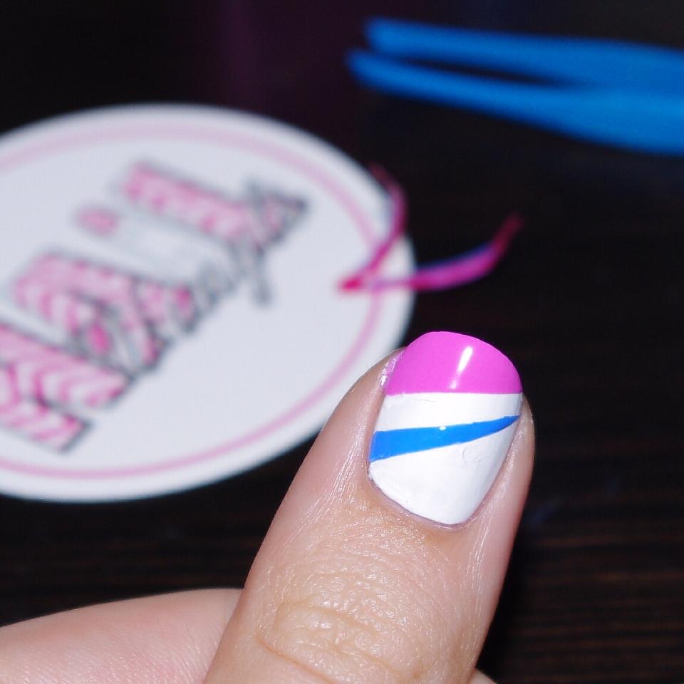 Bulleuw:BlogFest Nail Vinyls Step 3