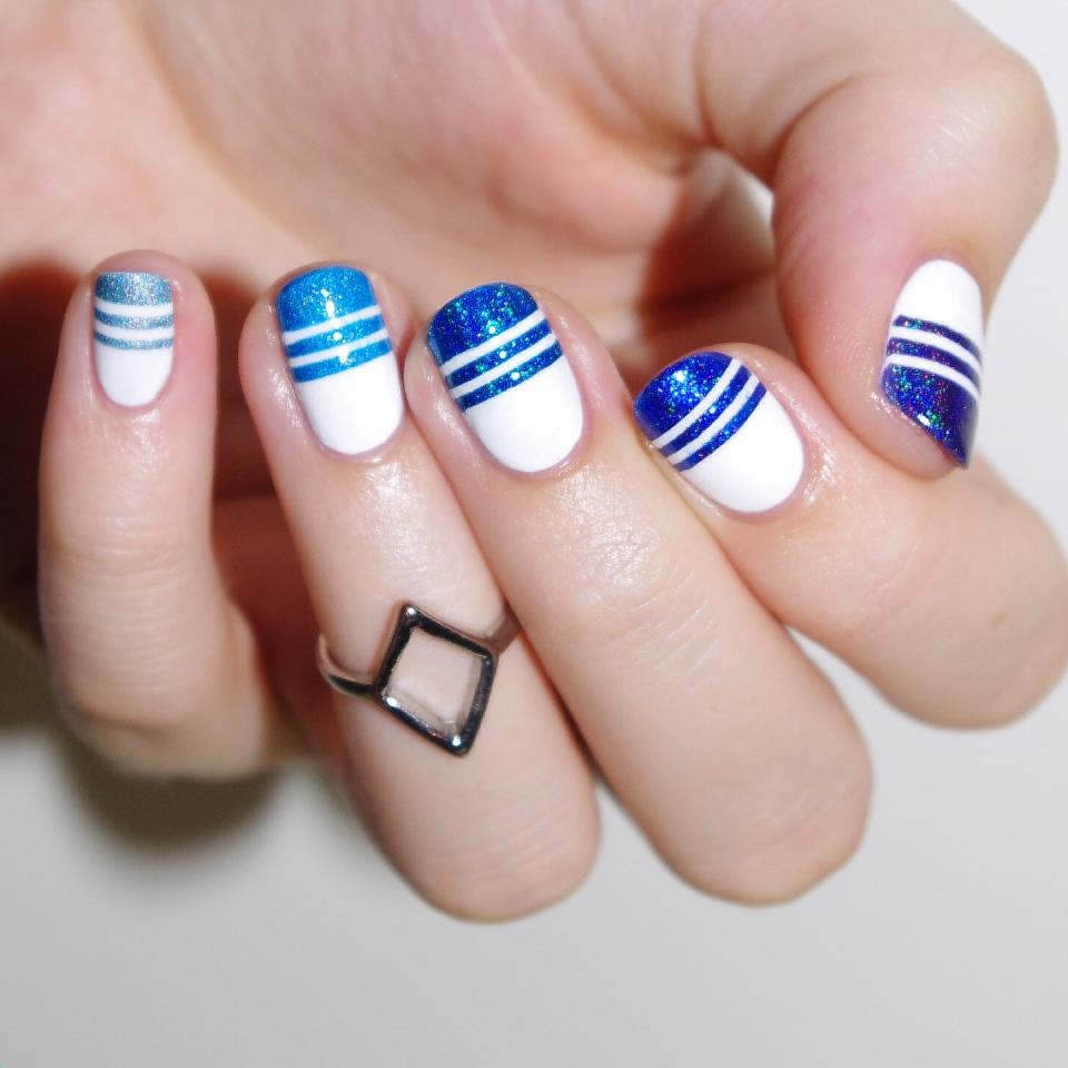 Bulleuw:Ombré Blue Strips 3