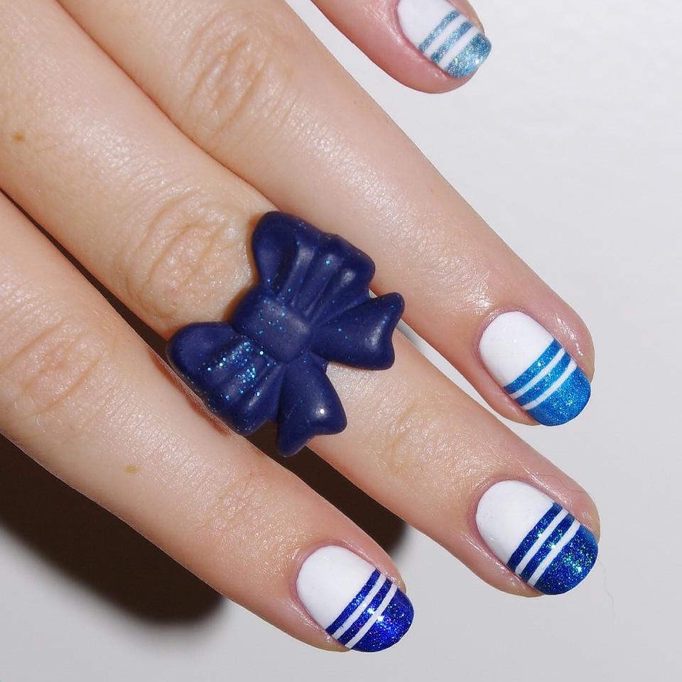 Bulleuw:Ombré Blue Strips 4