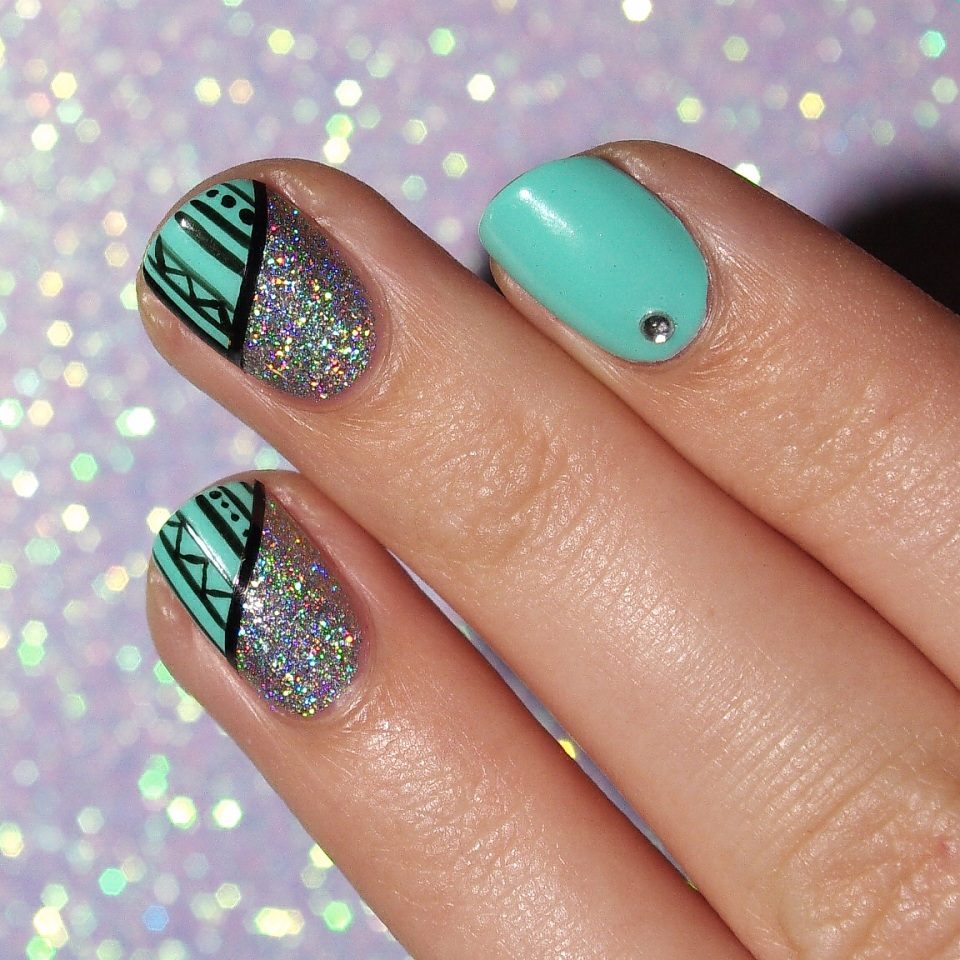 Bulleuw:Mint and Diamond Liner 1