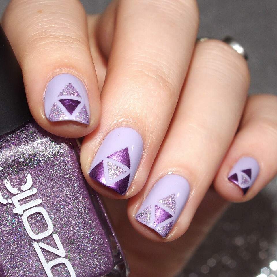 Bulleuw:Purple Triangles 3