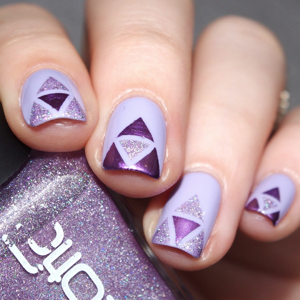 Bulleuw:Purple Triangles 4