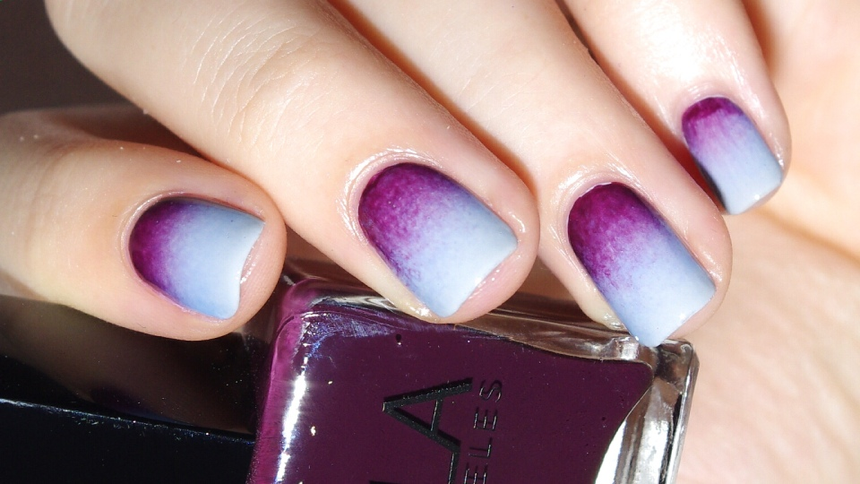 Bulleuw : 31DC2015 10 Gradient Nails 7
