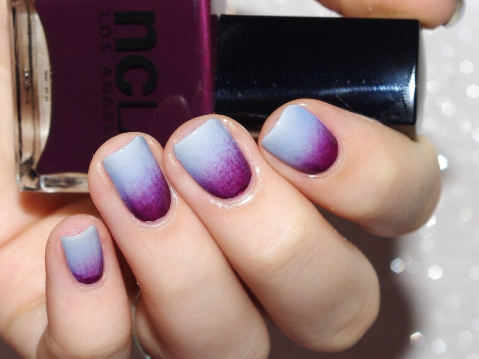 Bulleuw : 31DC2015 10 Gradient Nails 8