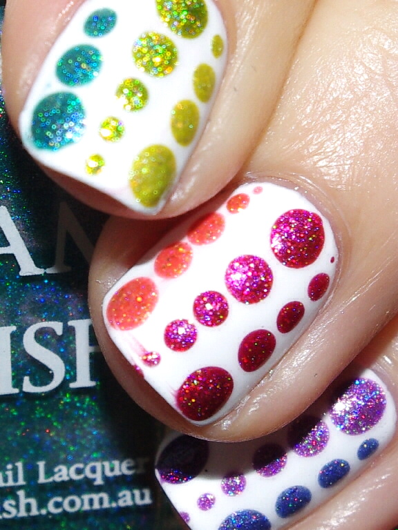 Bulleuw : 31DC2015 Rainbow Nails 10