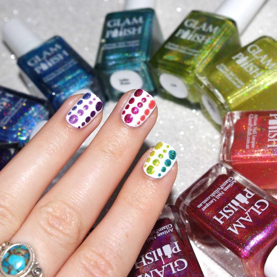 Bulleuw : 31DC2015 Rainbow Nails 3