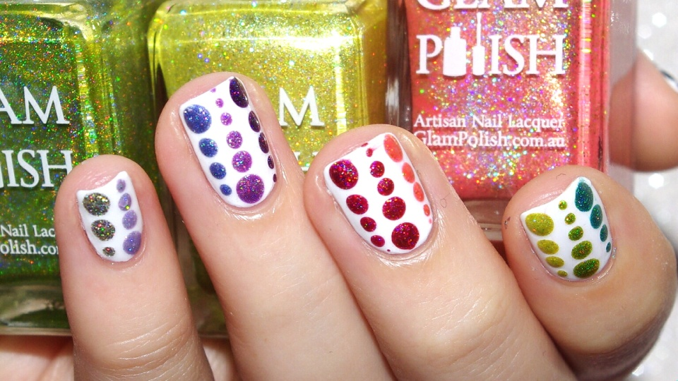 Bulleuw : 31DC2015 Rainbow Nails 4