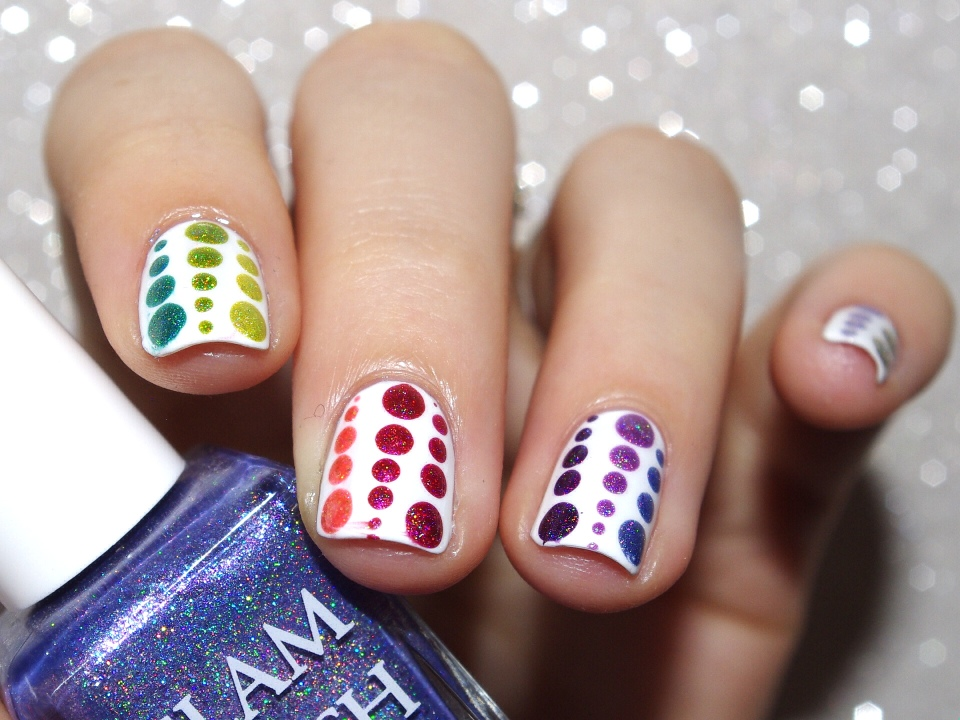 Bulleuw : 31DC2015 Rainbow Nails 8