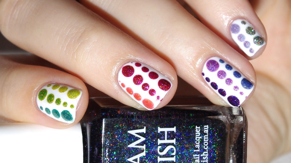 Bulleuw : 31DC2015 Rainbow Nails 9