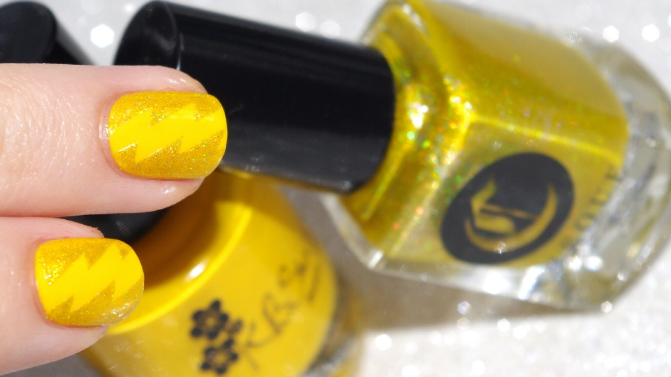 Bulleuw:31DC2015 #3 Yellow Nails 10