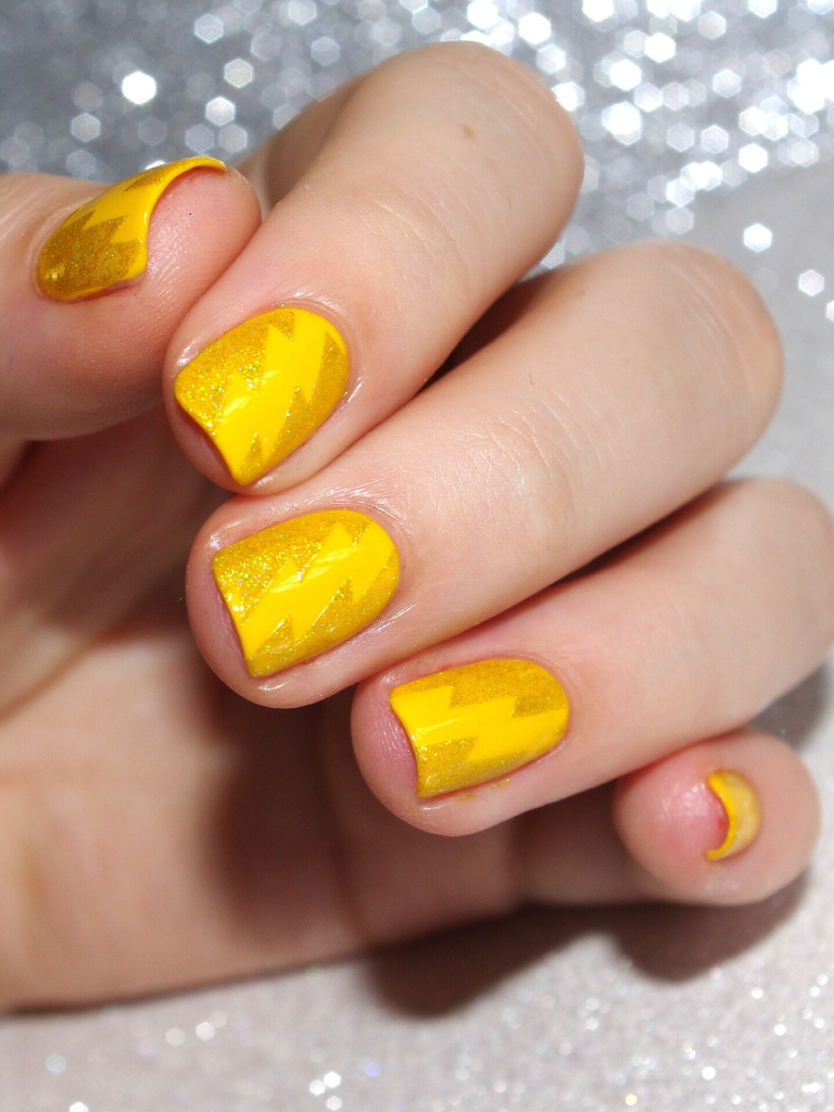 Bulleuw:31DC2015 #3 Yellow Nails 6