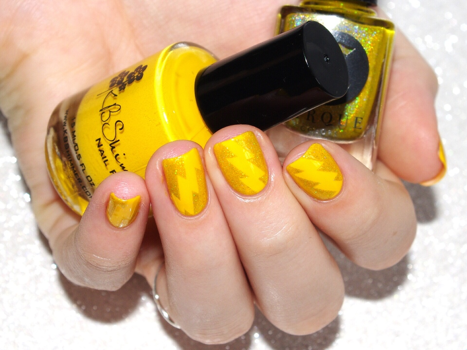 Bulleuw:31DC2015 #3 Yellow Nails 7