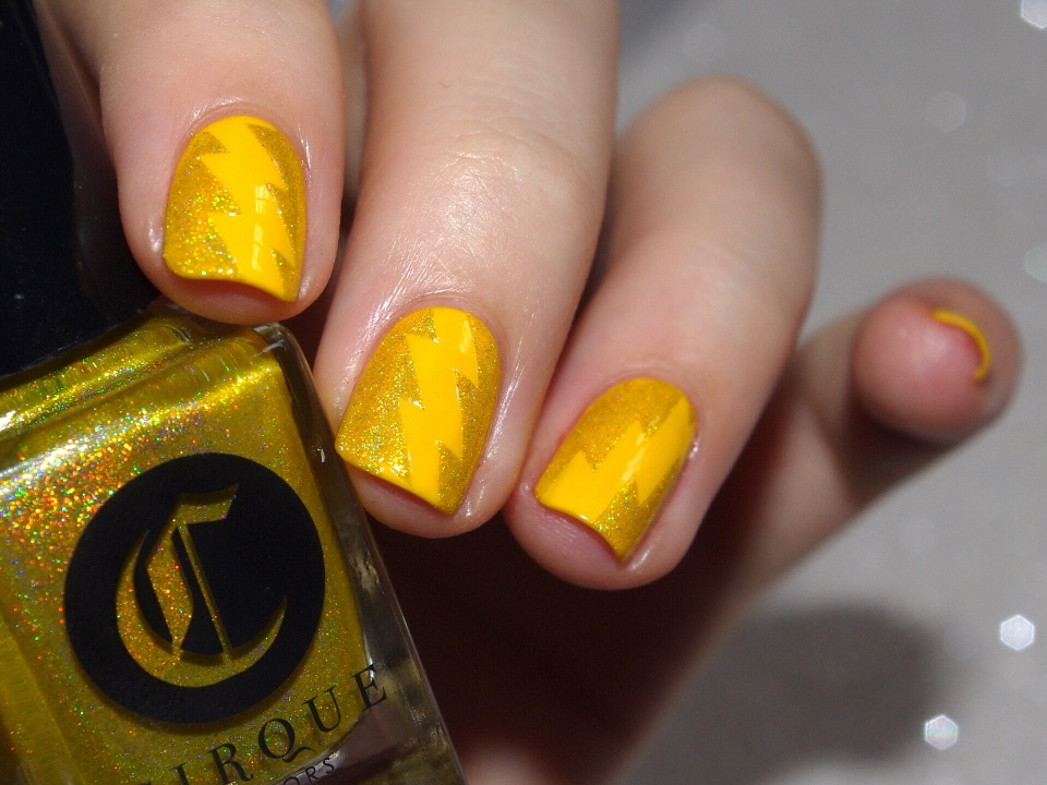 Bulleuw:31DC2015 #3 Yellow Nails 8