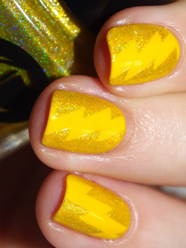 Bulleuw:31DC2015 #3 Yellow Nails 9