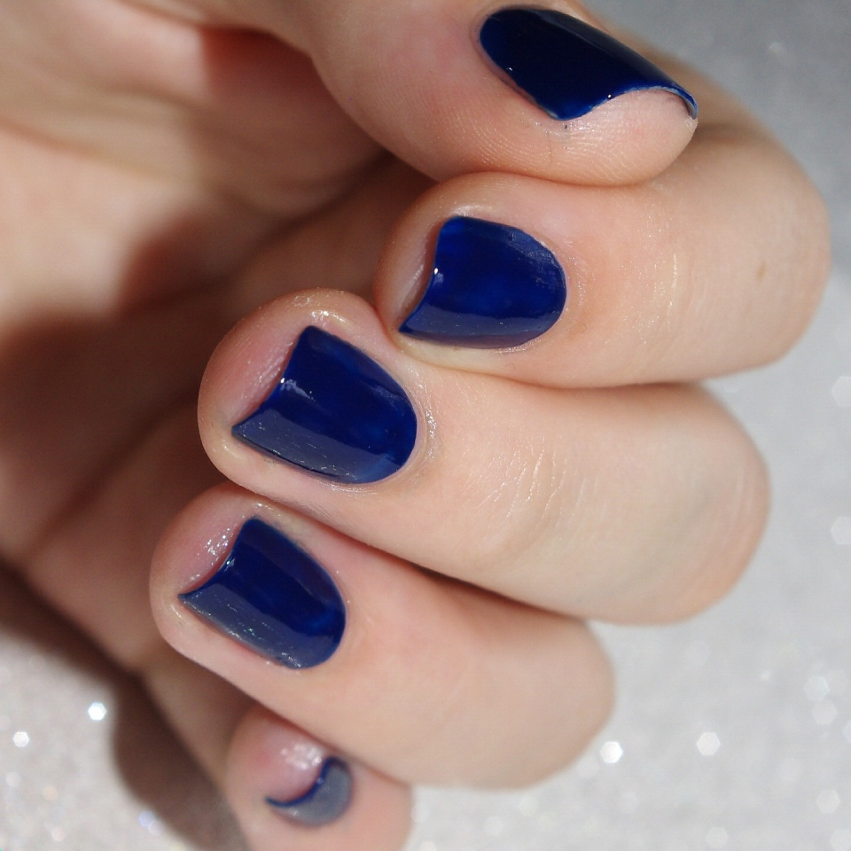 Bulleuw:31DC2015 Blue Nails 1