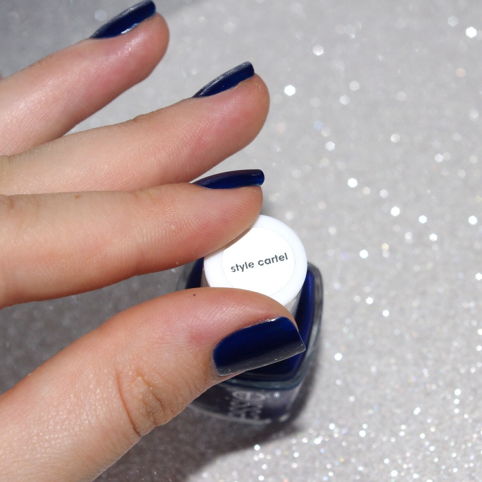 Bulleuw:31DC2015 Blue Nails 4