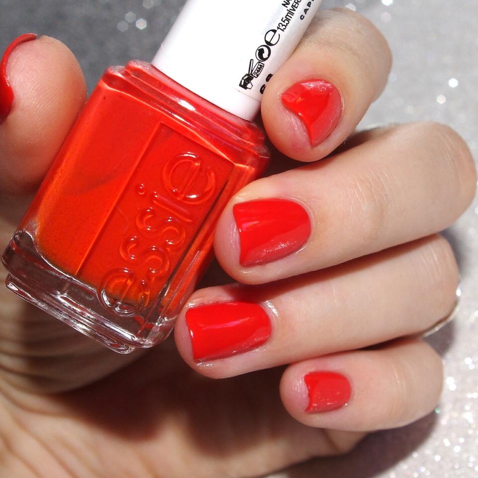 Bulleuw:31DC2015 Orange nails 1
