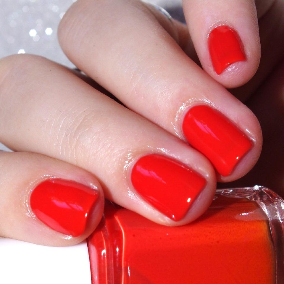 Bulleuw:31DC2015 Orange nails 4