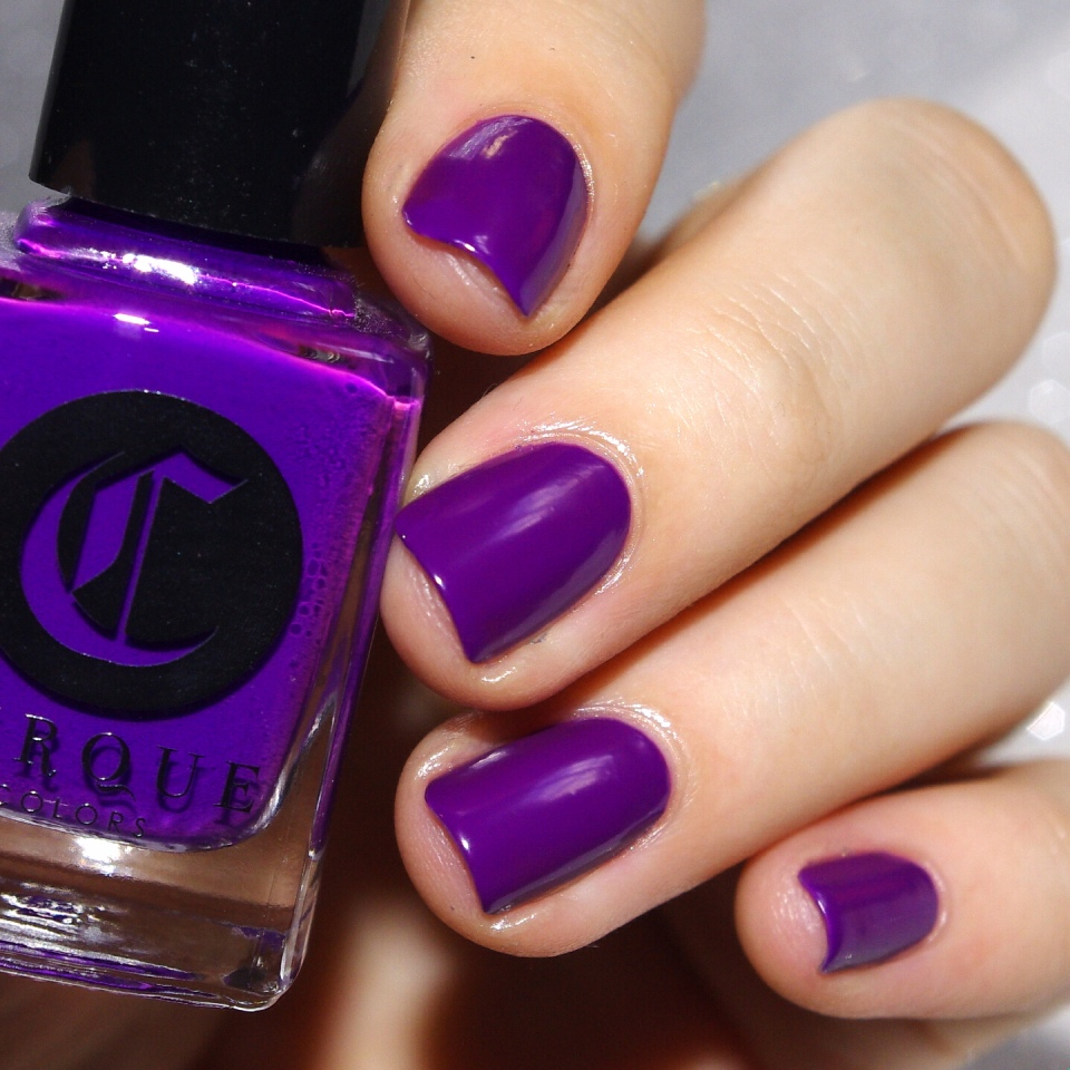 Bulleuw:31DC2015 Violet Nails 1
