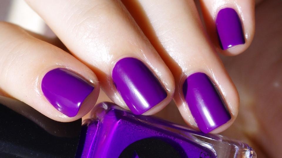 Bulleuw:31DC2015 Violet Nails 3