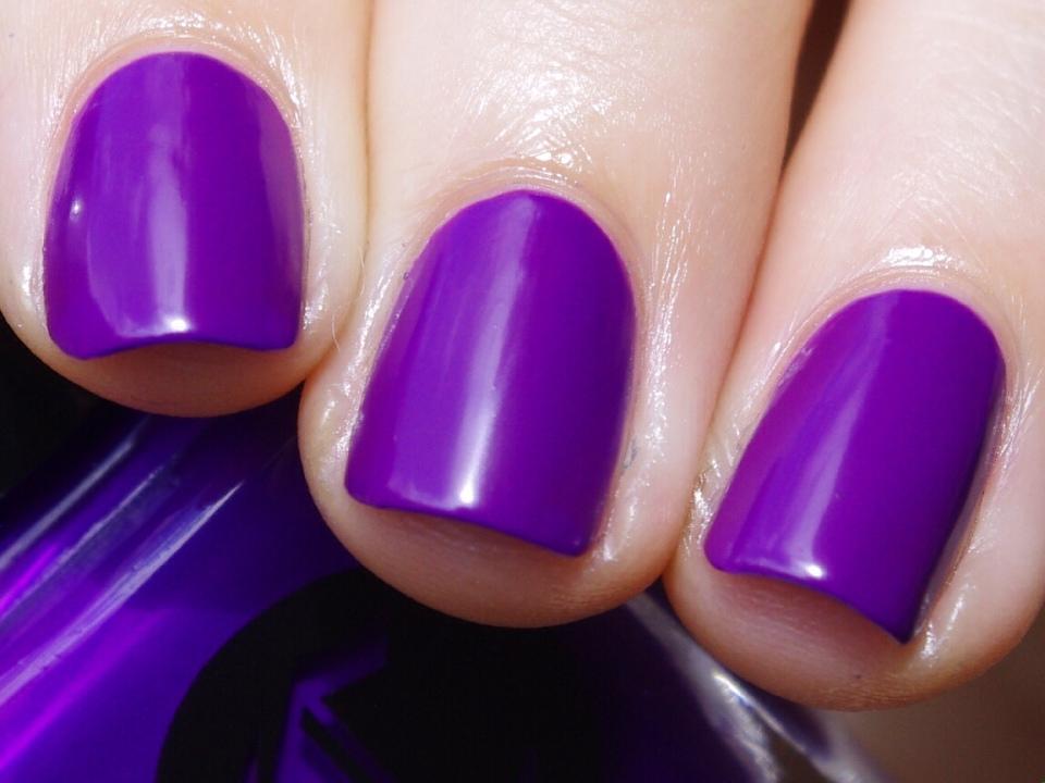 Bulleuw:31DC2015 Violet Nails 4