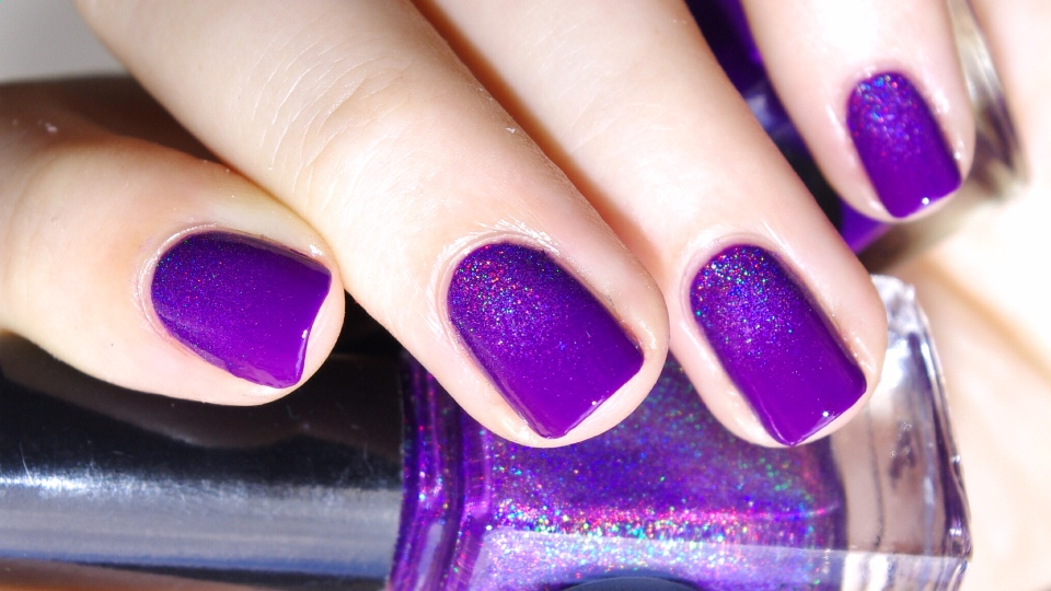 Bulleuw:31DC2015 Violet Nails 6