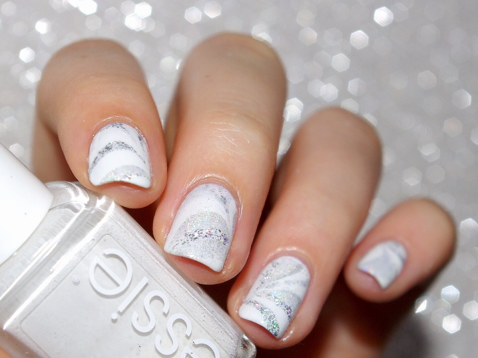 Bulleuw : White Week : Watermarble 1