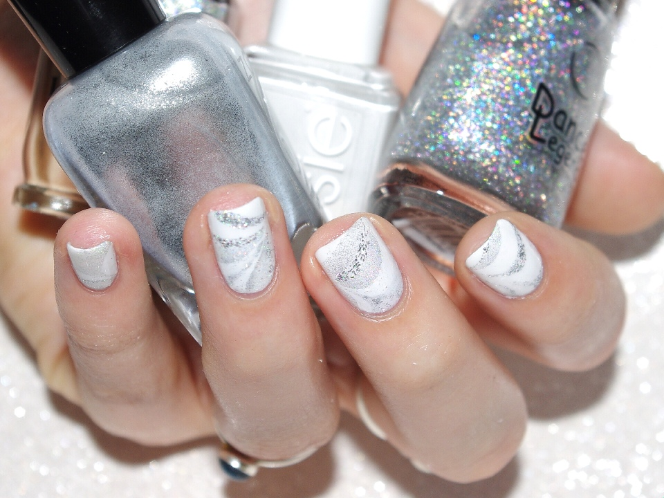 Bulleuw : White Week : Watermarble 2