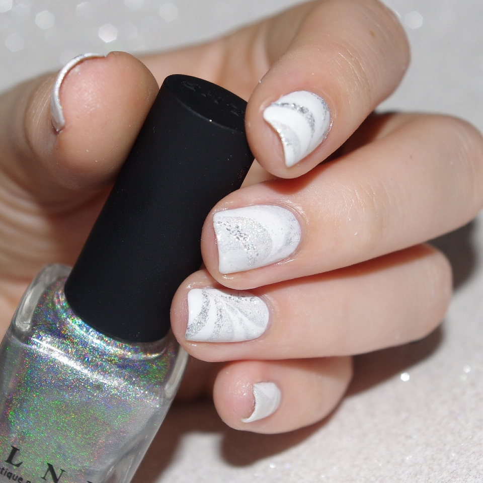 Bulleuw : White Week : Watermarble 5