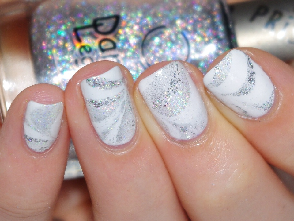 Bulleuw : White Week : Watermarble 8