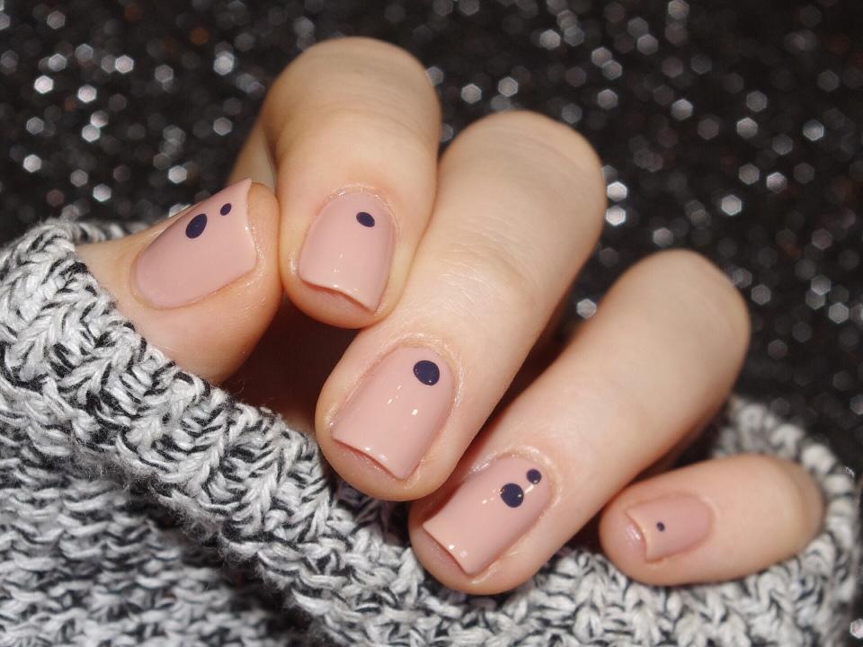 Bulleuw : Simple Nails 1