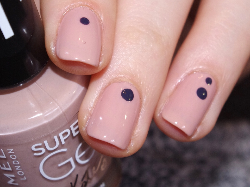 Bulleuw : Simple Nails 4