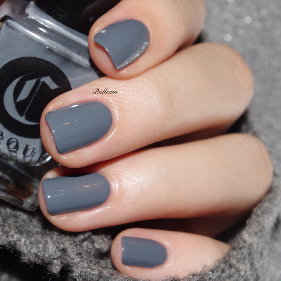 bulleuw-grey-and-red-4